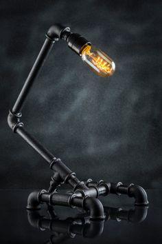 Lámpara de tubo de hierro de estilo Steampunk por Stubwick en Etsy