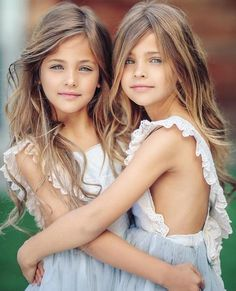 Even though these beautiful little girls are identical twins, they both have their own unique style and you can see it in photos like this where they are wearing the same outfit, but still have some of their own flare and style in the way they are posing. Beautiful Little Girls, Cute Little Girls, Beautiful Children, Beautiful Eyes, Beautiful Babies, Little Girl Models, Child Models, Preteen Girls Fashion, Fashion Kids