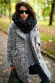 Her jacket>>>><