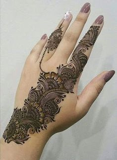 No occasion is carried out without mehndi as it is an important necessity for Pakistani Culture.Here,you can see simple Arabic mehndi designs. Henna Hand Designs, Eid Mehndi Designs, Mehndi Designs Finger, Latest Arabic Mehndi Designs, Mehndi Designs For Girls, Mehndi Designs For Beginners, Modern Mehndi Designs, Mehndi Designs For Fingers, Beautiful Mehndi Design