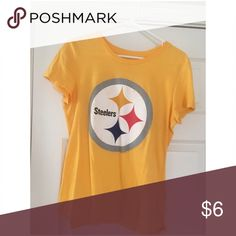 🏈 3/$12 Steelers Team Tee Gently Worn from Old Navy.                                     ✨Top Rated Seller✨ 💨 Fast Shipping 💨 💕 Quick Responses 💕  ✅ Great Items ✅ 🛍Awesome Bundle Deals 🛍 😁 Thanks for looking! 😁 Old Navy Tops Tees - Short Sleeve