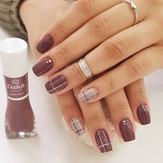 Simple Nail Polish Designs Pictures cool nail art designs for 2019 nagelideen schicke ngel Simple Nail Polish Designs. Here is Simple Nail Polish Designs Pictures for you. Simple Nail Polish Designs these chic nail art designs show how hassl. Classy Nails, Stylish Nails, Simple Nails, Trendy Nails, Ongles Beiges, Nagellack Design, Plaid Nails, Plaid Nail Art, Diy Nail Designs