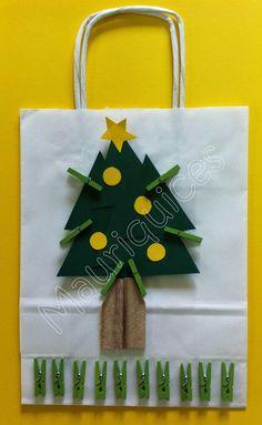 Árvore de Natal com bolas e molas!