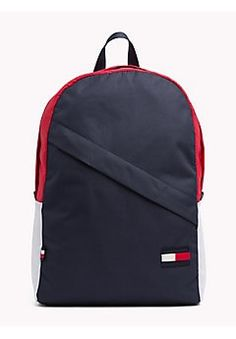 Tommy Hilfiger / Different. Mochila Tommy, Mochila Nike, Marca Tommy, Tommy Hilfiger Bags, Advertising Photography, Kids Fashion, Men's Fashion, Swag Outfits, Swagg