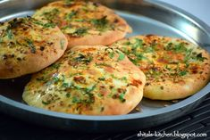 Shital's-Kitchen: Amritsari Kulcha & Chole Dinner Dishes, Food Dishes, Dishes Recipes, Veg Recipes, Dinner Menu, Main Dishes, Recipies, Indian Bread Recipes, Indian Breads