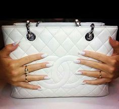 Great looking Nails to match a Great looking Purse♡♡