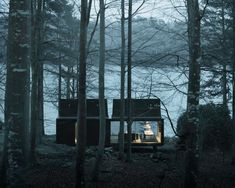 The Vipp Shelter is a minimalist prefab cabin built in Copenhagen by Danish design studio Vipp. With a surface of 55 square meters and a steel façade, this she Nature Architecture, Interior Architecture, Interior And Exterior, Interior Design Blogs, Design Interiors, Sheltered Housing, Prefab Homes, Prefabricated Cabins, Cabins In The Woods