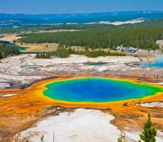 Grand Prismatic Spring, Wyoming in Yellowstone National Park. the largest hot spring in the U. and third largest in the world! Don't forget to see Morning Glory Pool, Old Faithful, and the Grand Canyon of the Yellowstone! Places To Travel, Places To See, Tourist Places, Lonely Planet, Yellowstone Nationalpark, Yellowstone Park, Yellowstone Volcano, Beautiful Places In America, National Park Tours