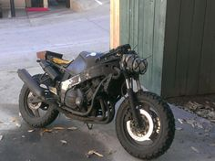 """Ready for the apocalypse! FZR600 survratfighter."""