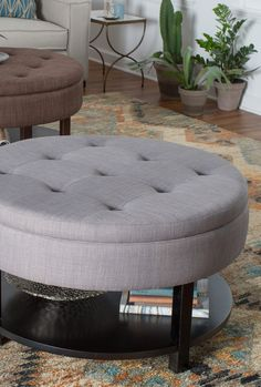 Wonderful ottoman coffee table for your cozy home Simple Furniture, Furniture Design, Dream Home Design, House Design, Old Coffee Tables, Home Goods Decor, Home Decor, Dining Table Legs, Beautiful Living Rooms