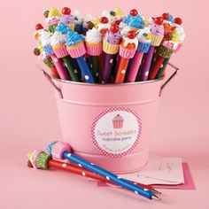 36 Pc Cupcake Pen Unit Includes 6 Designs © Two's Company Polymer Clay Pens, Polymer Clay Charms, Polymer Clay Projects, Polymer Clay Creations, Clay Crafts, Pen Toppers, Crea Fimo, Kawaii Stationery, Mode Shop
