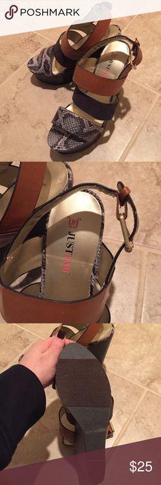 Just fab wedge heels Nwt snakeskin black brown Just fab wedge heels Nwt snakeskin black brown just fab Shoes