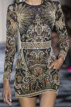 Zuhair Murad Fall 2018 Couture Fashion Show Details. All the Fall 2018 Couture fashion shows from Paris Couture Fashion Week in one place. Fashion 2018, Fashion Week, Trendy Fashion, Runway Fashion, High Fashion, Fashion Dresses, Fashion Tips, Fashion Trends, Womens Fashion