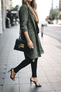 Army Green Trench Coat | The Teacher Diva: a Dallas Fashion Blog featuring Beauty & Lifestyle