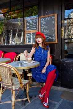 19 Quai Bourbon | Miss Pandora - Louise Ebel Louise Ebel, John Noble, Parisienne Style, Blog Pictures, Paris Love, Perfect People, Love Blue, Cool Hats, Dress Me Up