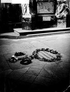 Charles Dickens' grave in Poets Corner, Westminster Abbey. Photo taken between 1870-1900.