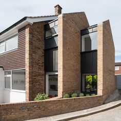 Architecture studio Selencky Parsons has extended a typical midcentury end-of-terrace house in southeast London by adding a pair of brick gables that diminish in size like Russian dolls Brick Architecture, Residential Architecture, Fashion Architecture, London Architecture, Gable Wall, 1960s House, Council House, Brick Facade, Duplex