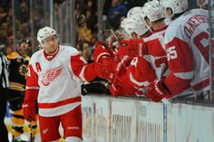 Red Wings Grinder: Red Wings begin playoffs with unexpected win!