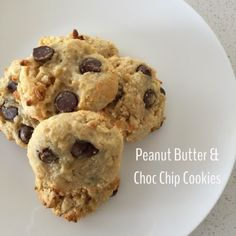 Sweet Little Pretties: Peanut Butter and Choc Chip Cookies