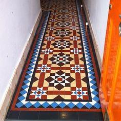 Matching Victorian Tiles In Garden - Same As Inside Hallway Modern Victorian Homes, Victorian Tiles, Hall Flooring, Kitchen Flooring, Edwardian Hallway, Tiled Hallway, Tile Installation, Relax, Luxury Decor