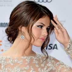 Google Image Result for http://thefashion-court.com/wp-content/uploads/2012/09/selena-gomez-in-marchesa-tiff-spring-breakers-premiere_003.png