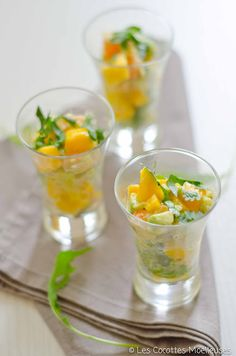 Salmon and mango with ginger dressing recipe, Regional Newspapers – Serve in small glasses demitasse coffee cups or tiny noodle boxes - Eat Well (formerly Bite) Seafood Recipes, Appetizer Recipes, Shot Glass Appetizers, Tapas, Fingers Food, Snacks, Appetisers, Food Design, Coco