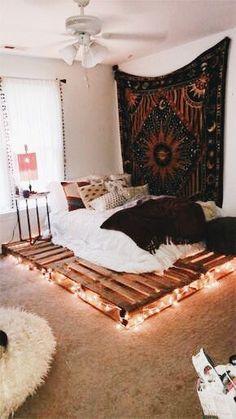 VSCO: jillianghurley – Graffiti World Cute Room Decor, Teen Room Decor, Bedroom Decor, Bedroom Ideas, Bedroom Furniture, Dream Rooms, Dream Bedroom, Dressing Room Design, Aesthetic Room Decor