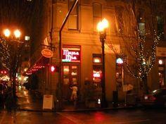 Mama Mia Trattoria in Portland, where Sara has her first date :-)