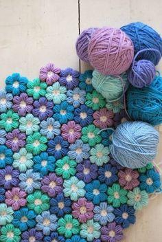 Tığ işi Puf Çiçekli Bebek Battaniye Modeli
