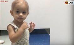 Vídeo viralizou: Menina com câncer dança enquanto médico toca música em hospital