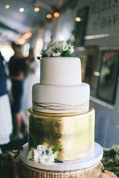 BEAUTIFUL cake and BEAUTIFUL wedding