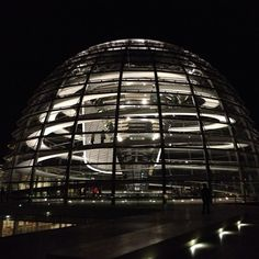 Photo by niznan - Berlin,Reichstag by Norman Foster