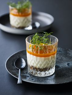 Dessert with vanilla mousse, nut crunch and sea buckthorn. Homemade Desserts, Fun Desserts, Delicious Desserts, Food N, Food And Drink, Food Crush, Party Finger Foods, Sweets Recipes, Food Inspiration
