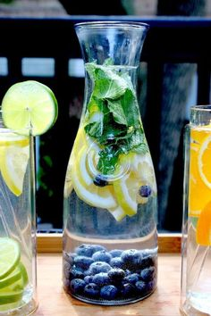 Easy Detox Your Body - Cleanse, Tea, Water, Recipes Detox Diet Drinks, Healthy Drinks, Detox Juices, Healthy Water, Healthy Detox, Easy Detox, Stay Healthy, Healthy Living, Water Recipes