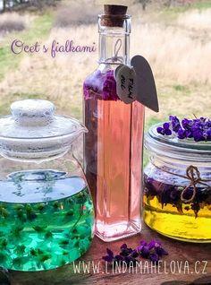 Fialkový ocet Herbalism, Water Bottle, Herbs, Jar, Drinks, Flowers, Handmade, Food, Syrup