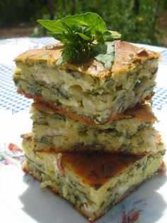 Nenine kuhinjske čarolije: Pita od blitve i sira bez kora Albanian Recipes, Bosnian Recipes, Croatian Recipes, Kitchen Recipes, Baking Recipes, Macedonian Food, Salty Foods, Brunch, Creative Food