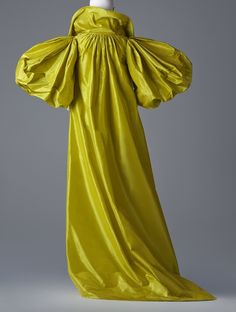 "André Leon Talley Curates ""Oscar de la Renta: His Legendary World of Style,"" Opening Thursday"