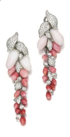 Sotheby's March Fine Jewels spring sale kicks off at their New Bond Street, Mayfair location in London, on March 2017 at am. Pearl And Diamond Earrings, Pearl Diamond, Shell Jewelry, Pearl Jewelry, Jewlery, Jewelry Box, Conch, Pearls, Casa Real