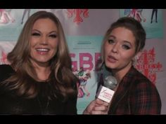 Pretty Little Liars star Sasha Pieterse sings a cappella & talks Ali & Emily's relationship & the upcoming finale...
