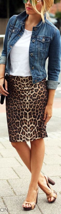 Love this outfit! Denim jean jacket. White tee, leopard print skirt