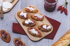 crostini ricotta e marmellata di peperoncino