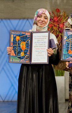 Tawakkul Karman, est une activiste yémenite de défense des droits de la femme. prix Nobel de la paix en 2011