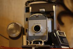 vintage Polaroid 800 with flash, accessories and case @capemayWEG