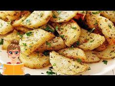 Italian Roasted Garlic and Parmesan Potatoes Mexican Food Recipes, Italian Recipes, Vegetarian Recipes, Healthy Recipes, Ethnic Recipes, Kitchen Recipes, Cooking Recipes, Parmesan Potatoes, Garlic Parmesan