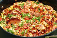 Två små kök: Ugnsstekt falukorv med grädde, tomat, saltgurka och två sorters lök Sausage Recipes, Keto Recipes, Snack Recipes, Cooking Recipes, Snacks, Good Food, Yummy Food, Swedish Recipes, Recipe For Mom