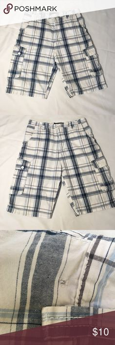 TEMP ✂️Beverly Hills polo club cargo shorts Beverly Hills POLO Club  Men's  Cargo Shorts 34 Waist   Preowned. good condition, except extremely minor flaw- barely noticeable.  See picture. Otherwise really worn and very well cared for.  Please ask about bundles Will make special bundle,or use the offer button..thank you! Polo by Ralph Lauren Shorts Cargo