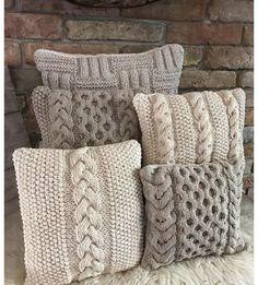 Узоры для вязания наволочек для подушек. Knitted Cushion Covers, Knitted Cushions, Crochet Pillow Pattern, Knit Pillow, Knitting Stitches, Knitting Patterns, Crochet Patterns, Foam Pillows, Throw Pillows