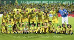 Soccer, Bucaramanga, Athlete, Hs Football, Futbol, European Soccer, Soccer Ball, Football