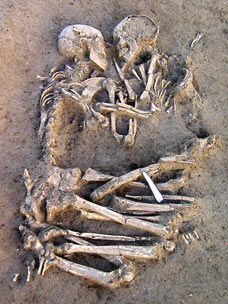 In Mantua where Romeo dreamed he died and Juliet's kiss breathed life back into his body, archaeologists have found an echo of that story -  a couple locked in an embrace, one that has endured for more than 5,000 years. The find was unearthed at a neolithic site at an industrial estate. Scientists are to examine the skeletons to see how old they were when they died. One theory  is that the man was killed and the woman the then sacrificed so that his soul would be accompanied in the after…