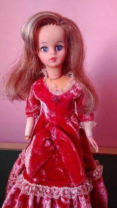 Boneca Susi Antiga Imperatriz